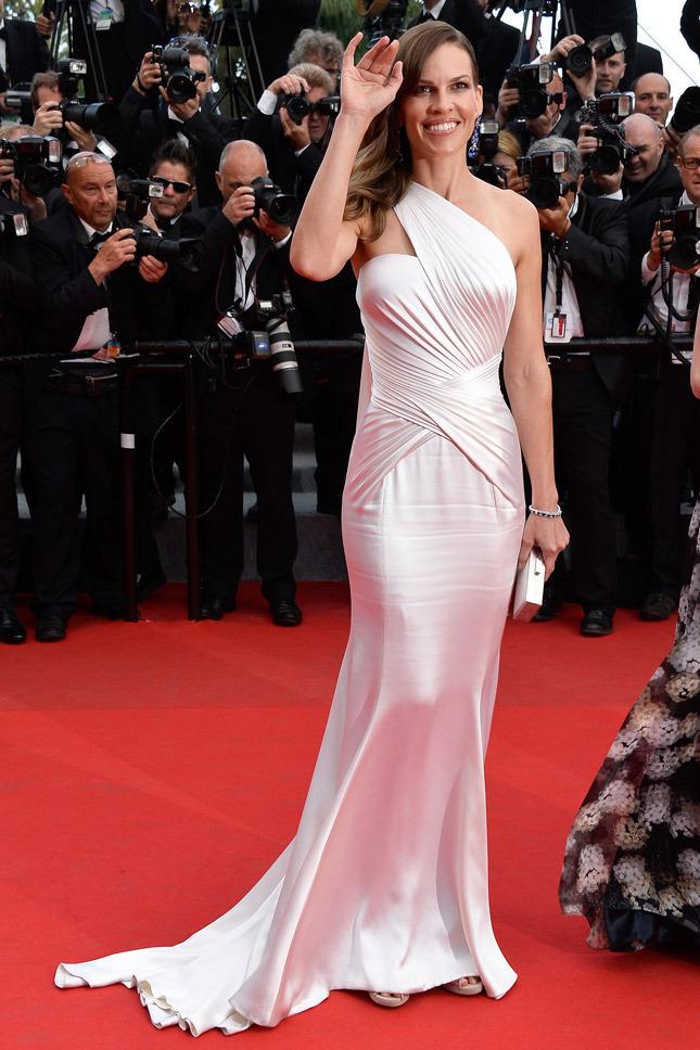 Hilary Swank in Atelier Versace